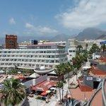 l'hôtel La Pinta et le Teide en arrière-plan