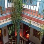patio del hotel desde el primer piso