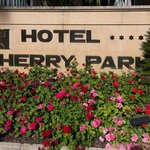 Hotel Sherry Park sign