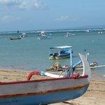 les bateaux en face du warung