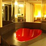 Heart shaped tub--romantic!