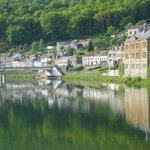 """La pace del paese specchiata nel Fiume """"La Meuse"""""""