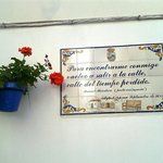 Poetry on the wall - Calle Botica