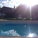 Uitzicht vanaf rand zwembad