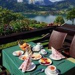 frühstück über dem See