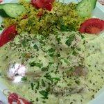 Hühnchenbrust mit Joghurt-Zitronensauce