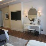 Classic River View Suite - bedroom