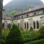 Cathedrale, cloitre et crypte