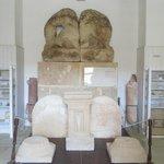 Il bassorilievo dei tori che combattono con i leoni - Museo Whitaker Mozia