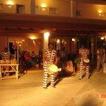 Bar Grog Abendprogramm, Afrikanische Trommler an der Bar