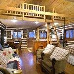 Sunshine Cabin interiot