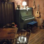piano, guitar and mandolin - welcome to be played up to 10p; flute and fiddle at the front desk