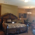 King Bed, Table & Chairs