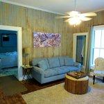 Bradford House - Magnolia Suite