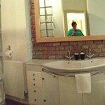 Vault 2br apartment, spacious bathroom with huge bath