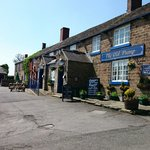 A sunny Sunday morning stroll to The Old Pump