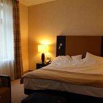 Просторный и тихий номер с комфортабельной кроватью