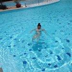 Allein im Pool