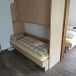 Twin room with single bunk for adult groups-very clean and comfortable