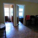Blick aus Wohnzimmer in die zwei Schlafzimmer