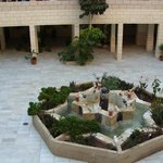 CENTRAL OPEN COURTYARD WITH DINING