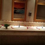 lovely decorated bathrooms