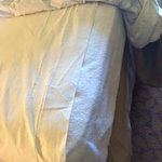 Bottom sheet does not even fit the mattress