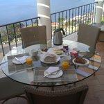 Ontbijtje op ons balkon !