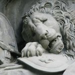 phot of lion monument