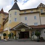 Hotel / restaurant front
