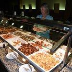 buffet de noche principalmente de pescado-marisco