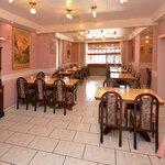 Breakfast room at the Roessli