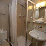 Room 5 shower/toilet