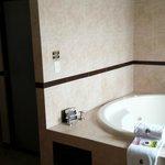 King Bathroom with Jet Tub