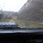 Dentro del jeep en un día lluvioso