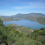 Lago cercano
