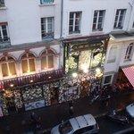 Comedie Italienne visto da altra stanza su Rue Gaitè