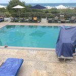 Una piscina con vista espectacular