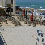 terras OP het strand!