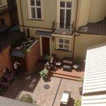 lovely courtyardis like a sun trap