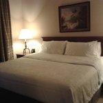 Dormitorio comodo y amplio