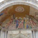 Detalle de la fachada de la Basílica de San Marcos, Venecia