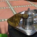 Chá requintamente servido no hotel La Mamounia-Marrakech