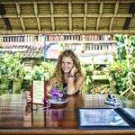 Cafe Lotus - Temple Restaurant - Ubud - Bali - Indonesia - Wandervibes - i love food