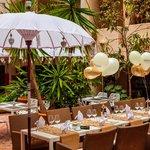 Yamas Restaurant Foto