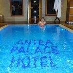 Приятно нырнуть в бассейн после хамама или сауны