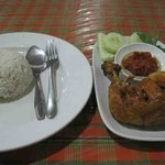 Fried chicken with lalapan