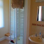 Roomy en-suite