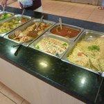 Vue du buffet chaud