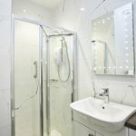 Stunning shower rooms at the Kings Arms